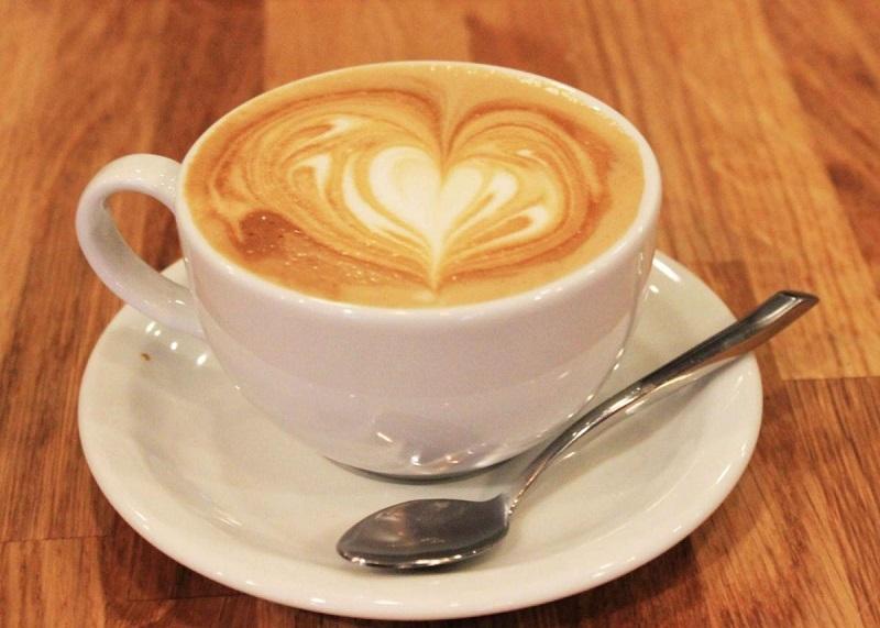 Cà phê hòa tan nên uống nóng