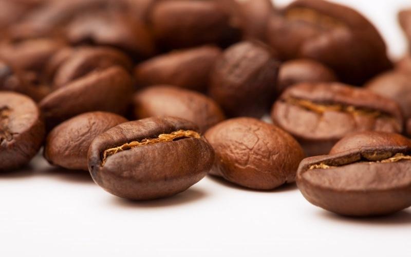 Rang cà phê ngon tại nhà bằng phương pháp thủ công