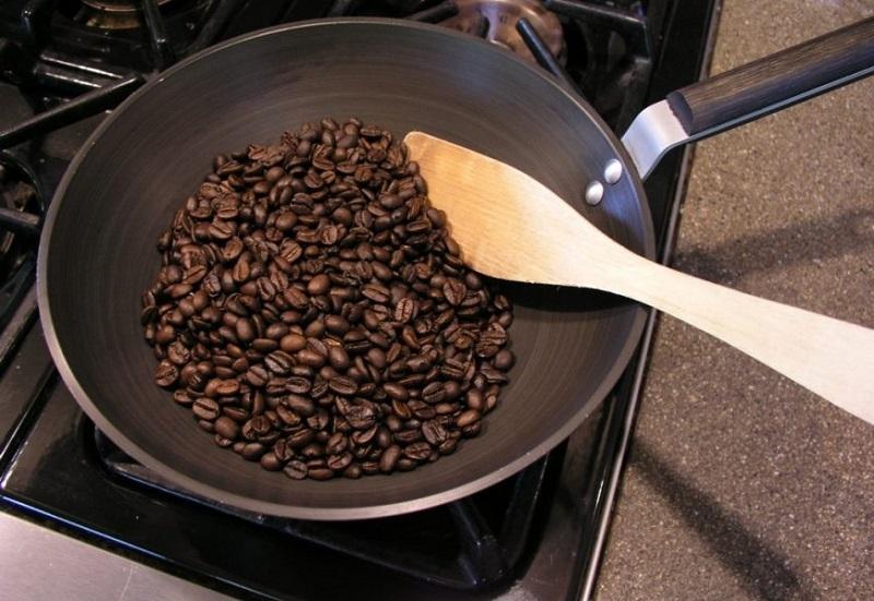 Rang cà phê tại nhà ngon bằng chảo