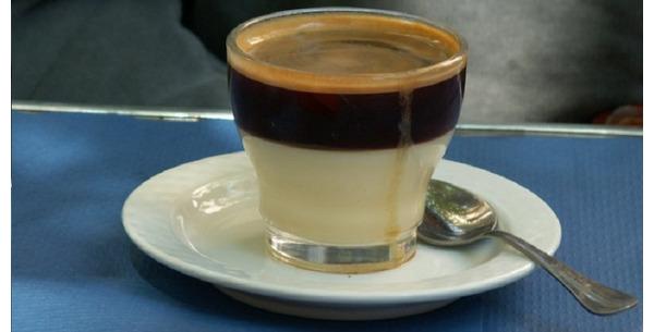 Cách thưởng thức cafe Bombon lừng danh của Tây Ban Nha