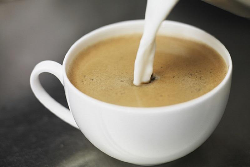 Cà phê Au Lait(Cafe sữa pha kiểu Pháp)