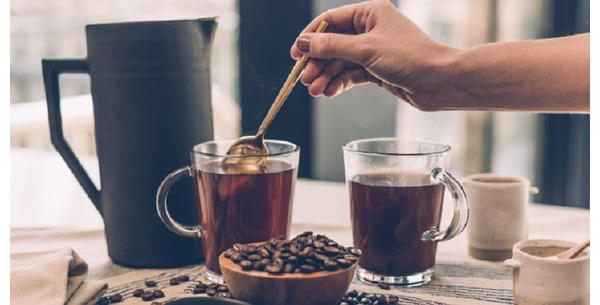 Đau dạ dày (bao tử) và bụng đói có nên uống cà phê không?
