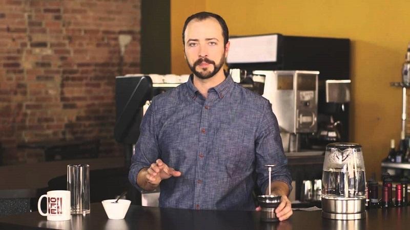 """Giải nghĩa của từ """"Nhất nước, nhì cà, tam pha, tứ phin"""" trong pha chế cà phê?"""