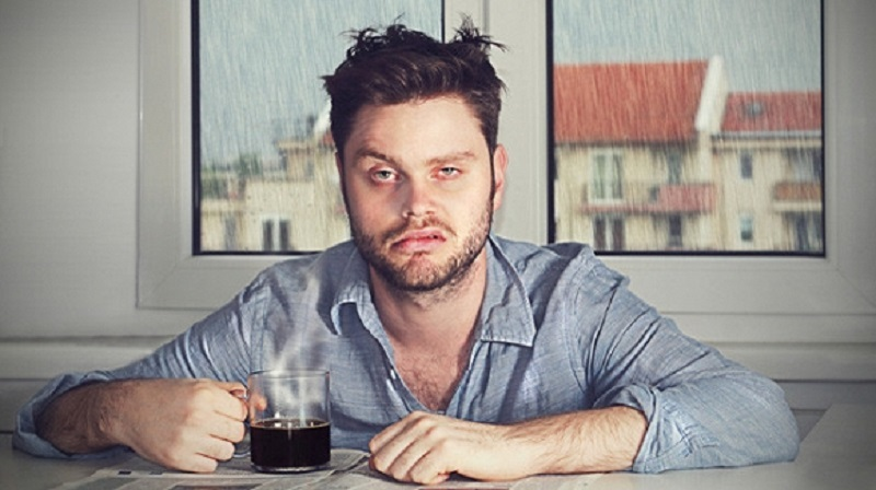 không uống cà phê ngay khi vừa uống rượu xong