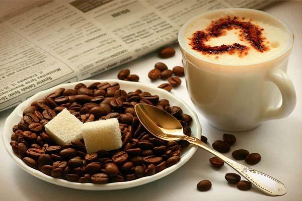 Mẹ đang cho con bú nên tiêu thụ bao nhiêu caffeine là vừa