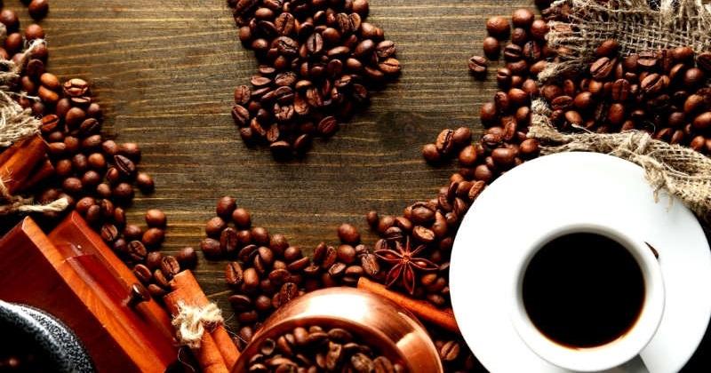 Uống cà phê vào ban đêm, nên hay không và tại sao?